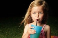 Researchers call for tooth-decay warnings on soft drinks