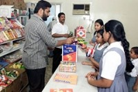 Government groups target healthy food for India's school canteens
